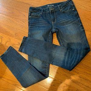 Revolution Jeans 25 EUC